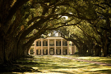 ante-bellum mansion at Oak Alley Plantation, Louisiana